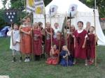 """Sichtlichen Spaß hatten die 15 teilnehmenden Kinder am mittelalterlichen Lagerleben des Kulturvereins """"Kulturkastl"""" e.V."""